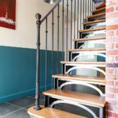 Fabricant-L-escalier-metal-Vertou-Nantes-44-bois-acier-retro-bistrot-quart-tournant