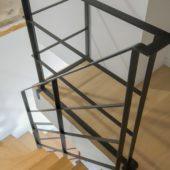 Fabricant-L-escalier-metal-Vertou-Nantes-44-bois-limon-central-quart-tournant