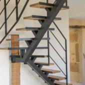 Fabricant-L-escalier-metal-Vertou-Nantes-44-bois-limon-central-quart-tournant_2