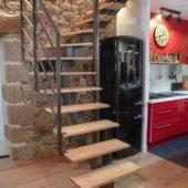 Fabricant-L-escalier-metal-Vertou-Nantes-44-bois-acier-limon-central-quart-tournant-sur-mesure-moderne-1
