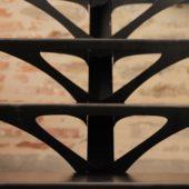 Fabricant-L-escalier-metal-Vertou-Nantes-44-tout-acier-limon-central-retro-bistrot-art-nouveau-moderne-sur-mesure-design-5